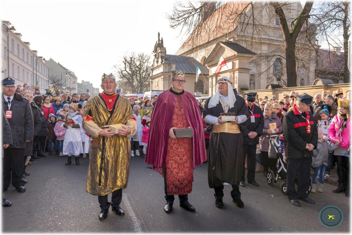 Orszak Trzech Króli w 2018 roku. Tłumy kaliszan przeszły ulicami miasta czcząc przypadające 6 stycznia święto Objawienia Pańskiego.