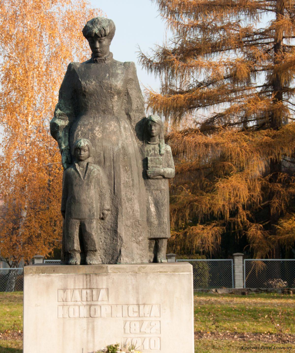 23 maja 1842 w Suwałkach urodziła się Maria Konopnicka – poetka, pisarka, nowelistka, emancypantka, krytyk, publicystka, tłumaczka, patriotka, z Kaliszem związana od 1849 roku
