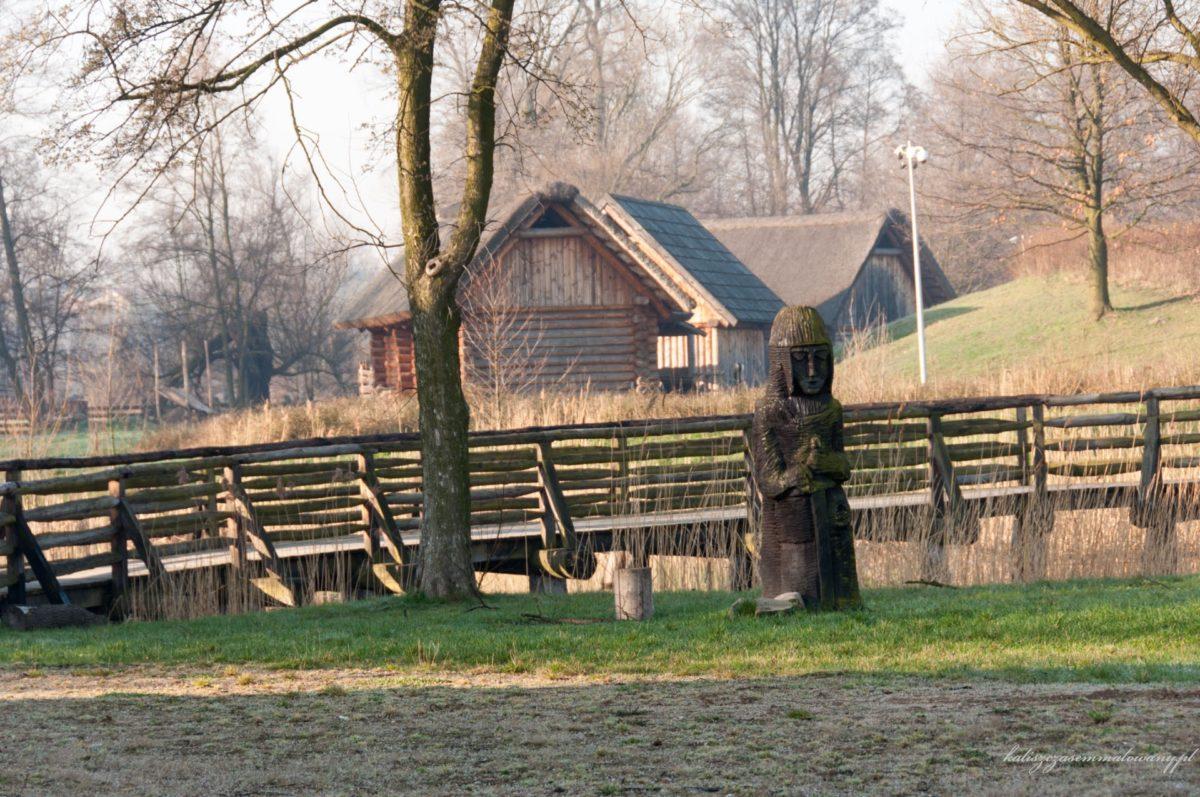 Gród wczesnośredniowieczny na Zawodziu stanowi Rezerwat Archeologiczny Muzeum Okręgowego Ziemi Kaliskiej. Na jego terenie w 2007 r. przeprowadzono zakrojone na szeroką skalę prace rekonstrukcyjne.