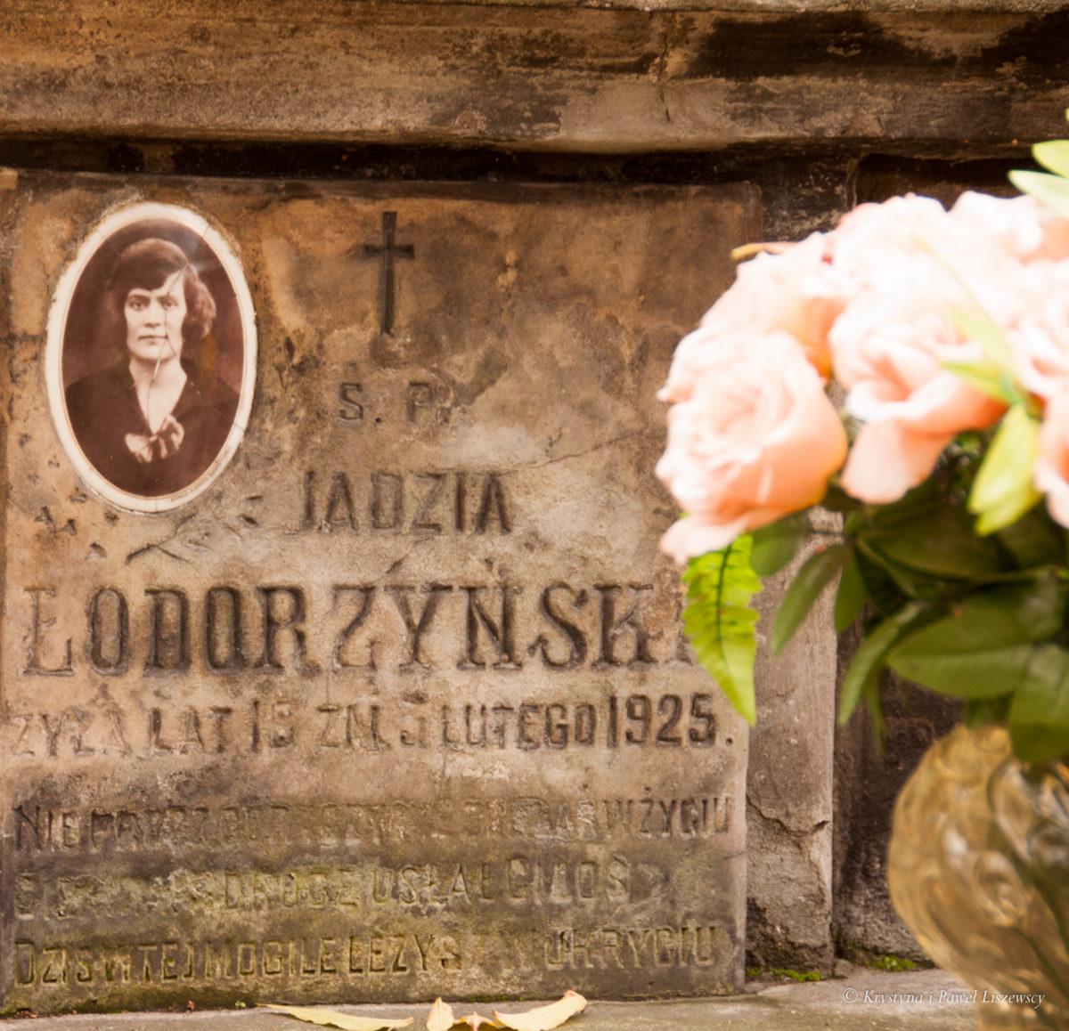 """Dbajmy o stare cmentarze – """"Wspomnienia nie jest wart, kto Przodkom hołdu oddać nie chce… """""""