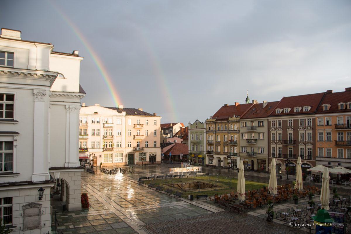 Co zrobić, aby Kalisz z pietyzmem i troską odbudowany po zagładzie 1914 roku, zamienić w prowincjonalną dziurę?