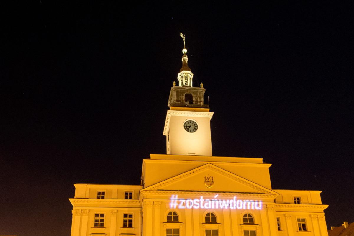 #ZostańwDomu – Kiedyś było jakoś fajniej – Tłumy na Głównym Rynku w Kaliszu