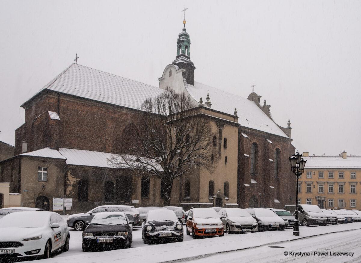 Parking czy skwer przed kościołem oo. Franciszkanów?  –  Przewodnik po starym Kaliszu